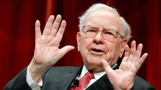 苹果股价陷4年来最大单日跌幅 巴菲特损失37亿美元