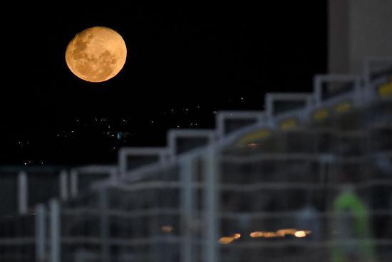 如果月球完全由黄金构成会怎样?地球也将发生巨变