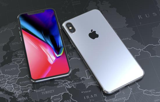 可能很多机友会说,没有天马行空的构想怎么能算得上概念设计?确实,设计者有点太过于保守了,哪怕是改变一点点也好过单纯放大。例如说,iPhone X 手术级的不锈钢还是容易出现划痕,那么在概念中可以假想苹果用上更坚固耐刮擦的材料,例如钛合金,即便是回归金属铝遭到刮花的几率也更低一些。   无论如何,概念始终是概念,正如网友所说,只要会点 PS 的人都可以做出自己的概念作品,更不用说那些 CAD 大神了。在你看来,这个 iPhone X Plus 概念作品如何?