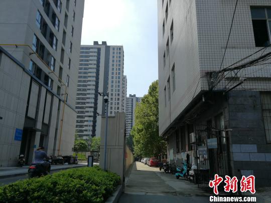 河南一学校被投诉军训扰民 校方表示无奈又委屈