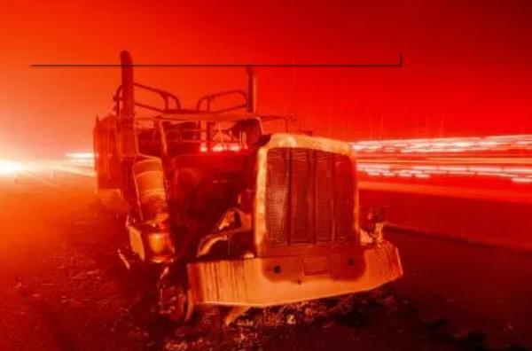 美加州遇今年第三场山火 官员无奈:消防预算已用光