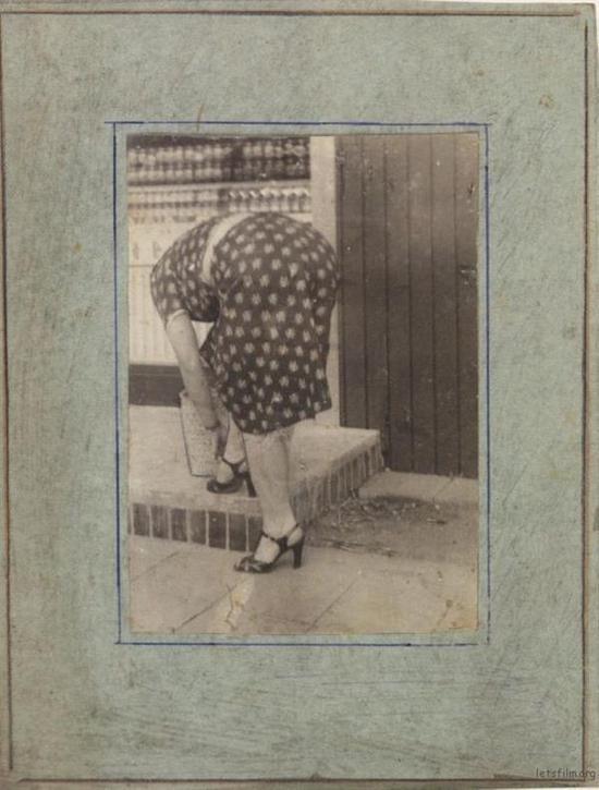 流浪汉用垃圾自制相机偷拍女人 转眼50年