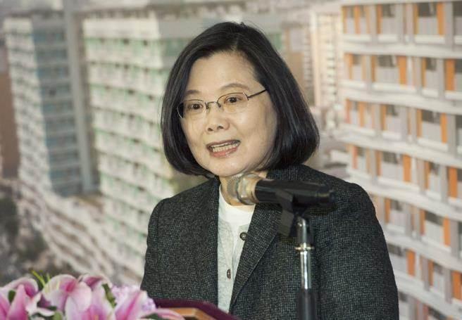 """""""假消息""""都来自大陆?蔡英文的抹黑让台湾人无语"""