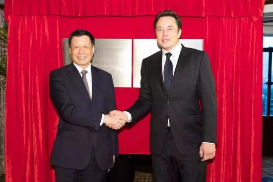 为省40亿关税?马斯克亲赴上海 超级工厂正式落地