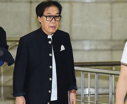 韩国著名歌手卖假画被起诉 5年获利100多万