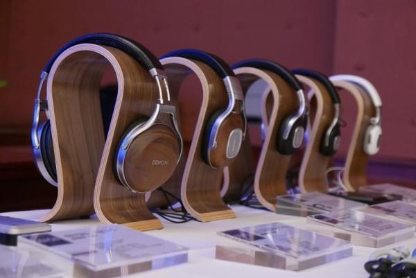 天龙旗舰耳机D7200实拍 采用实木外壳的照片 - 1
