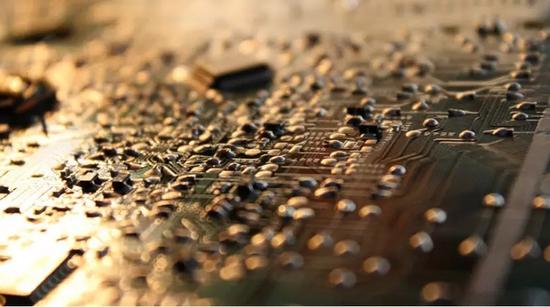突破芯片技术封锁!中国公司喜提两台机器 值12亿
