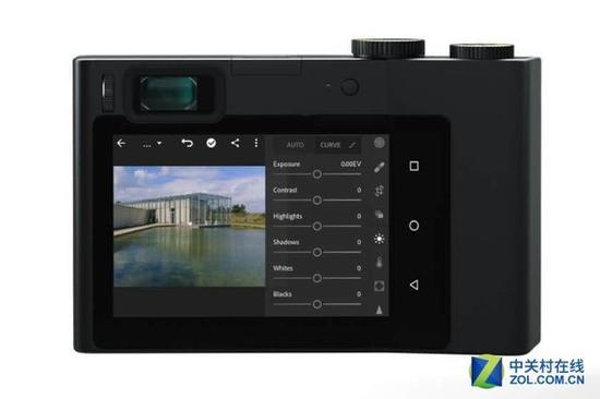 内置Lightroom全触控 蔡司发布ZX1全画幅相机