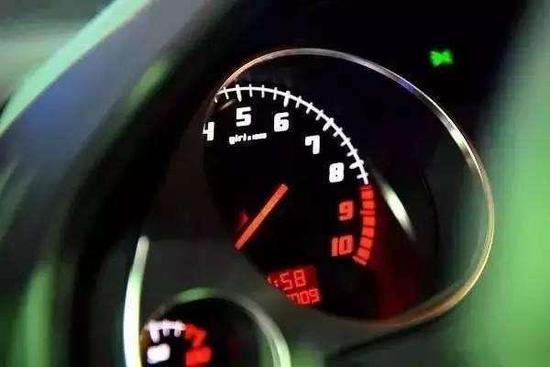 巧用这些技巧 让你开车轻松节省半箱油