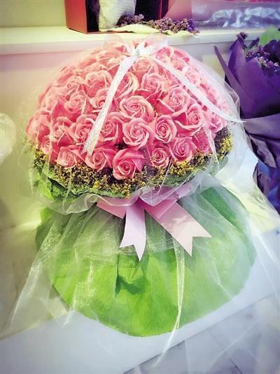 包玫瑰包花装方法图解
