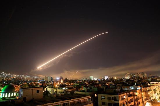 """俄罗斯警告美国及其西方盟友:别在叙利亚""""玩火"""""""