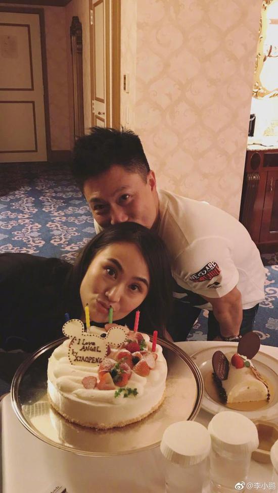 李小鹏与妻子