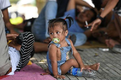 外媒:印尼重灾区救援进展缓慢 一名空中管制员牺牲