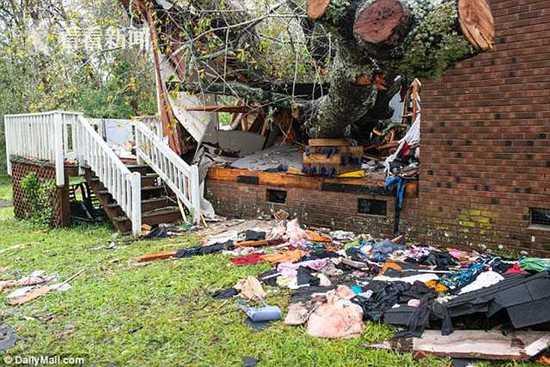 美城市遭飓风袭击成孤岛居民趁机劫商店 店主:算了