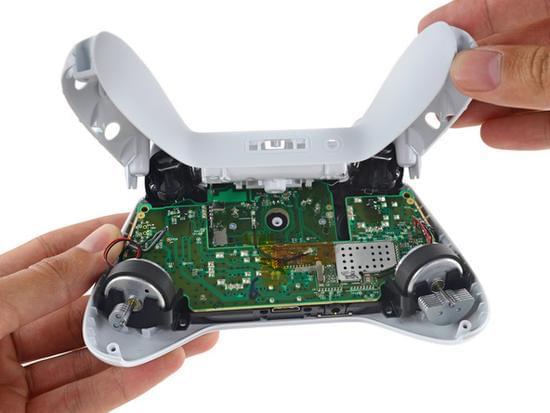 Xbox One S拆解:易于维修的照片 - 42