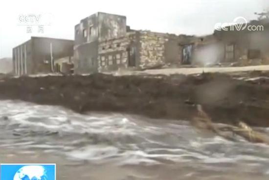 热带飓风袭击也门岛屿引发山洪 至少致18人死亡