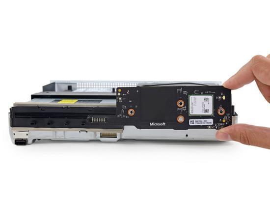 Xbox One S拆解:易于维修的照片 - 18