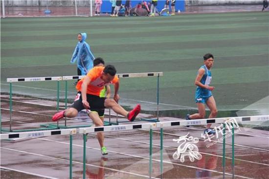 2017年重庆市大学生田径比赛落幕 重庆能源职业学院获乙组团体第一名