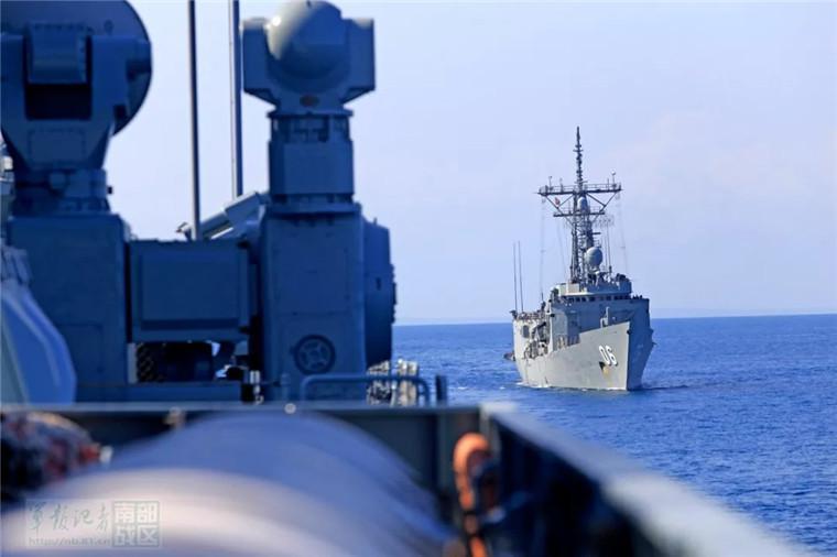 中国首次参与澳主办联合军演 2名澳士兵登黄山舰