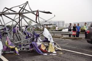 龙卷风昨日突袭江苏盐城 78人死亡近500人受伤