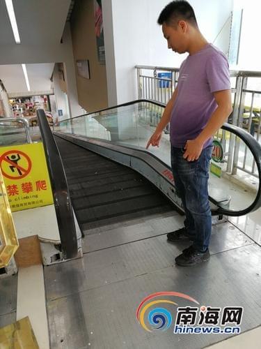 商场自动扶梯现伤人事件 1岁婴儿手指被夹断