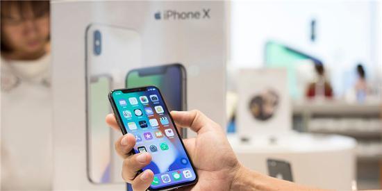 苹果要求强制购买iPhone展示机 韩国零售商欲起诉