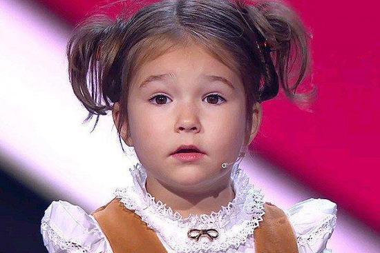 俄罗斯4岁女孩会7门语言 中文又流利又激萌