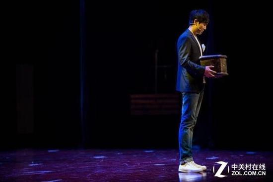 沈腾:电脑高效是对观众及演出的负责
