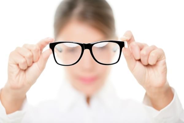 戴眼镜会让视力越来越差?