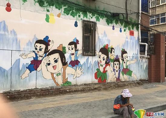 """郑州现""""最萌街道"""" 彩绘涂鸦让整条街都卖起了萌"""