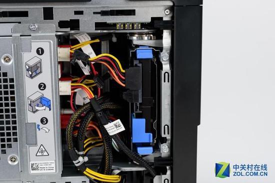 电脑主机内部风扇结构线圈
