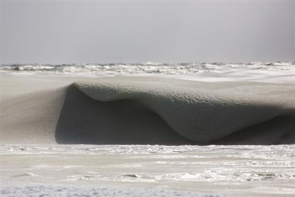 美国81年来最冷冬天:海浪都被冻上了的照片 - 3
