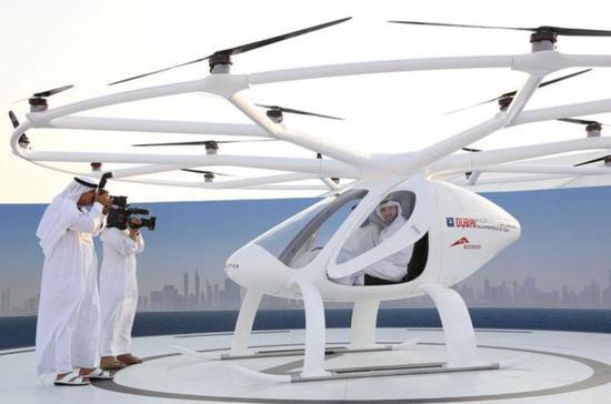 直升机发明 110 年,它会因为无人驾驶和电动变成空中出租车么?
