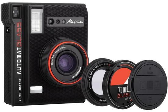 LOMO发布首款配备玻璃镜片广角镜头的拍立得相机