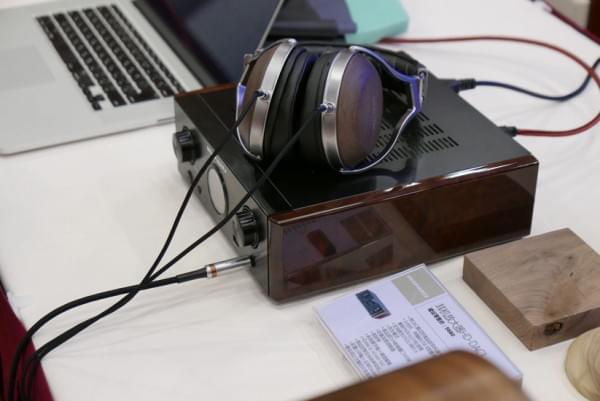 天龙旗舰耳机D7200实拍 采用实木外壳的照片 - 7
