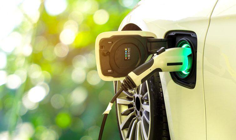 新能源汽车电池进入换休期,车厂和政府都想回收利用