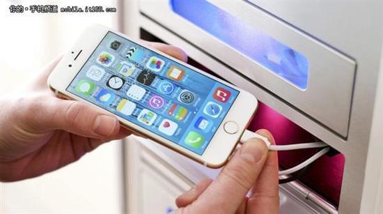 手机充满电会降低电池寿命:充至85%最佳