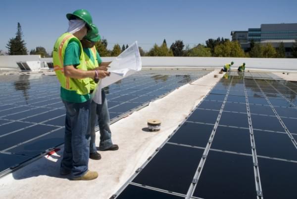特斯拉将于10月28日推全新太阳能屋顶产品的照片