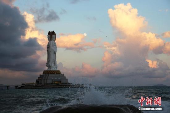 资料图:三亚 <a target='_blank' href='http://www.chinanews.com/'>中新社</a>记者 王晓斌 摄