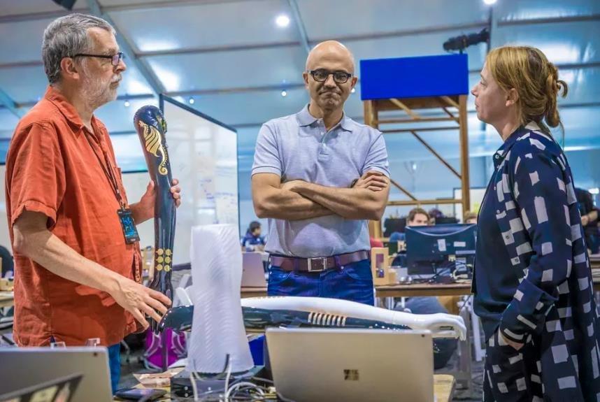 """传奇在褪色?纳德拉畅谈如何帮助微软寻回""""使命感"""""""