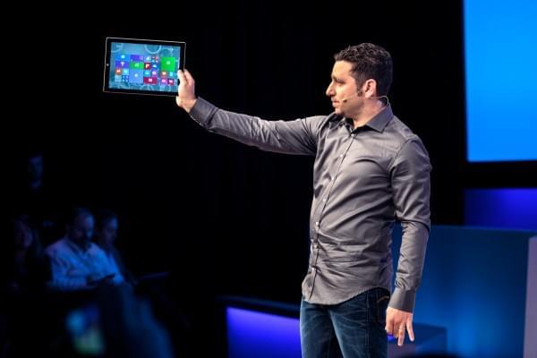 """微软将在下个月推出Surface新产品 代号""""红衣主教""""的照片"""