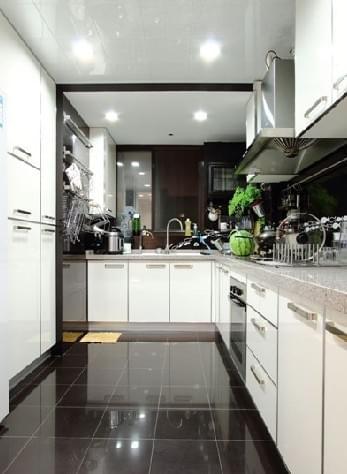 130平三室两厅,新古典主义,入户玄关,马赛克卫浴间,洗手台,青岛新古典风格装修