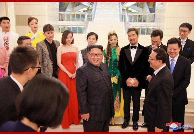 金正恩观看中朝艺术家联合演出:让人想再看一遍
