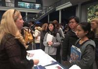 美国举办STEM大学博览会 各大高校争取亚裔学生
