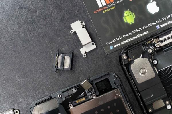 2675mAh容量电池:iPhone 7 Plus拆解视频的照片 - 2