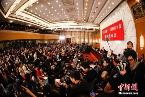 资料图:2016年3月2日,全国政协十二届四次会议新闻发布会在北京人民大会堂举行,大会新闻发言人王国庆回答记者提问。 <a target=