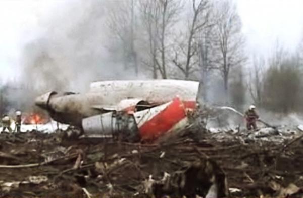 波兰发布总统专机空难调查报告:飞机爆炸引发空难