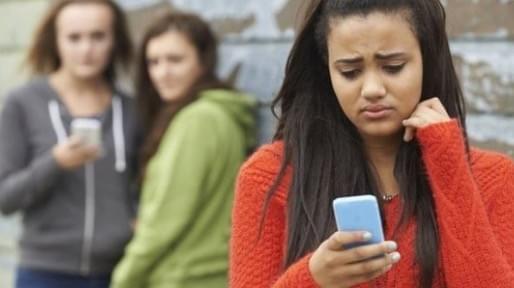 针对校园欺凌 英国拟向 Facebook 和 Twitter 征收网络安全税