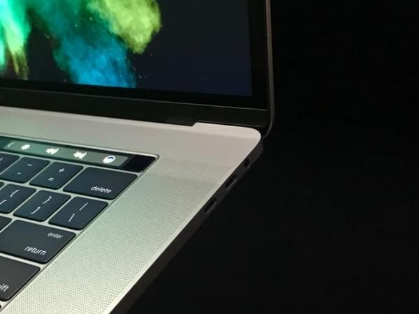 全新MacBook Pro评测:Touch Bar是亮点 但需要习惯的照片 - 10