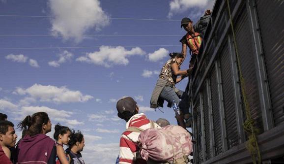 4000人移民车队逼近美墨边境 墨方:向联合国求助